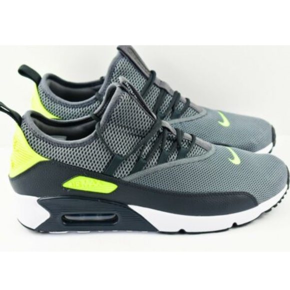 Nike Air Max 90 EZ Size 10.5 Running Shoes AO1745 NWT